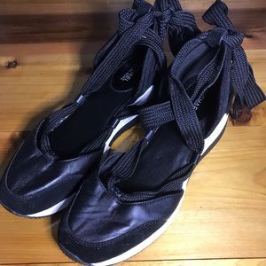 Michael Kors sz9 - Glam Tennis Shoes Ties at Ankle